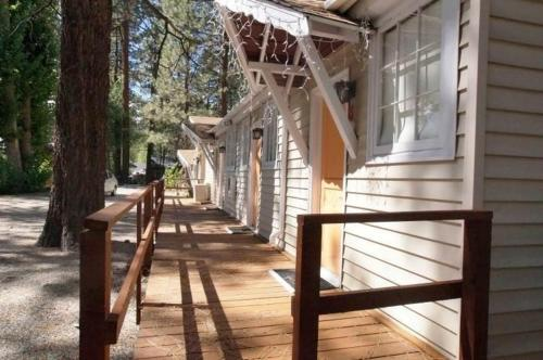 Big Bear 4 Seasons Unit Three - One Bedroom Condo - Big Bear Lake, CA 92315