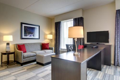 Hampton Inn & Suites Greenville Airport Photo