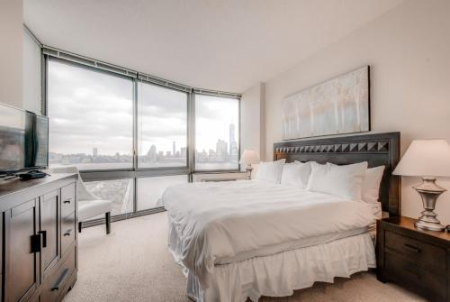 Global Luxury Suites at Metropolitan Photo
