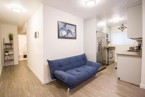 Lux Beach Living Apartment - Los Angeles, CA 90292