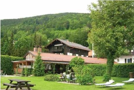 Hotel Bastenhaus am See