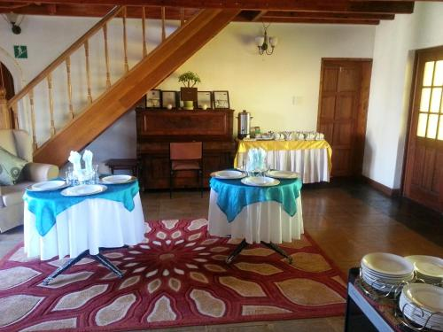 Twin Gables Guest House Photo