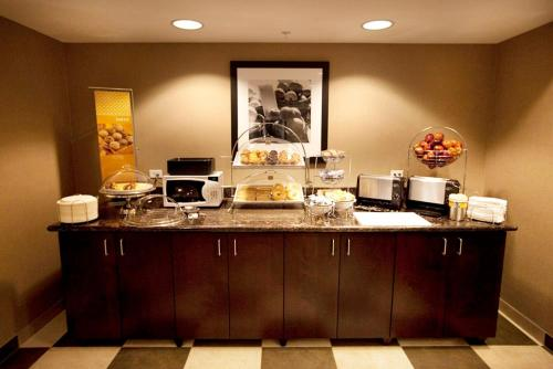 Hampton Inn & Suites by Hilton Seattle/Kent Photo