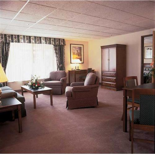 Coast Wenatchee Center Hotel - Wenatchee, WA 98801