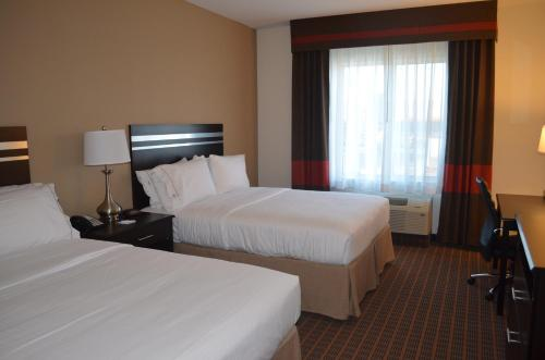 Holiday Inn Express & Suites Golden Photo