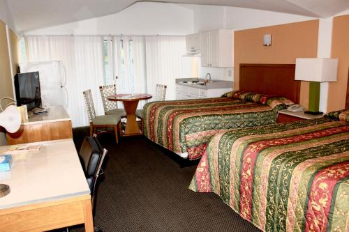 Warm Mineral Springs Motel - North Port, FL 34287