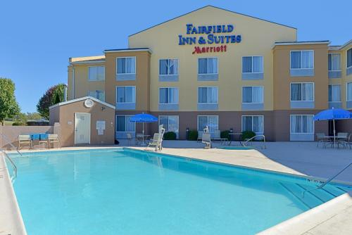 Fairfield Inn & Suites by Marriott Lexington Georgetown/College Inn Photo