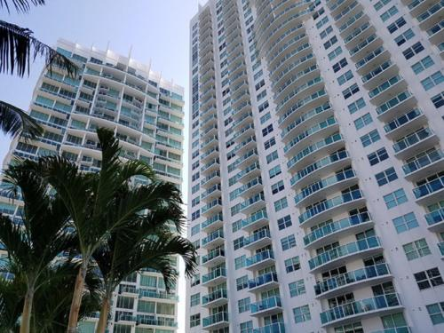 HotelBiscayne Bay Exclusive by Yourent