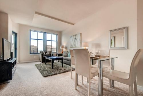 Global Luxury Suites at The Palatine Photo