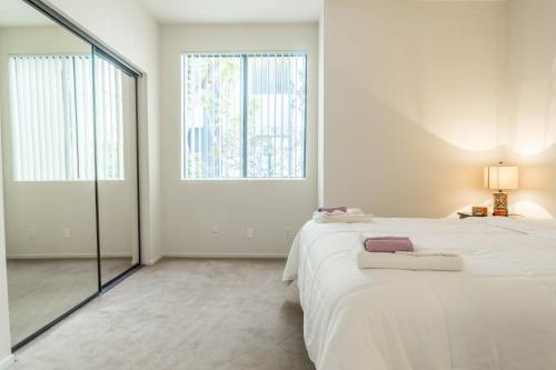 Midvale Apartments 337 - Los Angeles, CA 90024