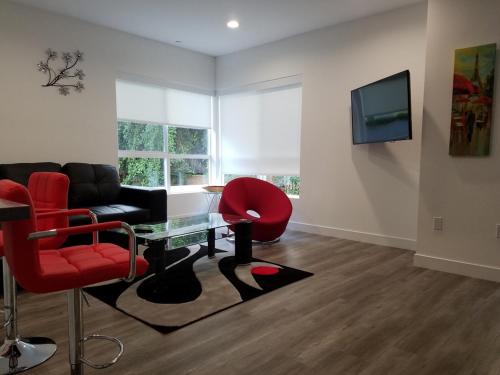 Hollywood Luxury Community NoHo Suite 205 - North Hollywood, CA 91601