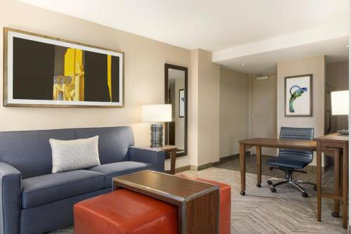 Homewood Suites by Hilton Washington DC Capitol-Navy Yard Photo