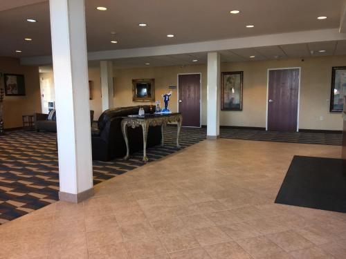 Microtel Inn & Suites by Wyndham Indianapolis Airport photo 15