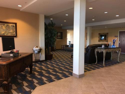 Microtel Inn & Suites by Wyndham Indianapolis Airport photo 8