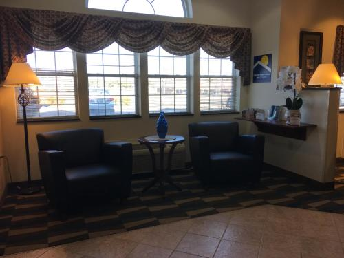 Microtel Inn & Suites by Wyndham Indianapolis Airport photo 18