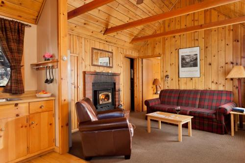Tamarack Lodge