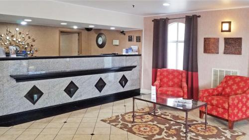 Best Western Hazlet Inn Photo