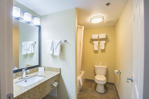Quality Inn & Suites Hagerstown Photo