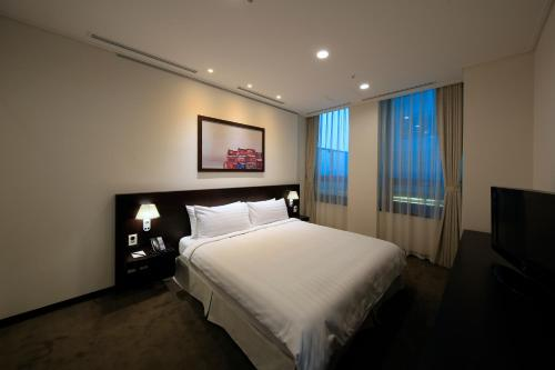 Orakai Insadong Suites photo 27