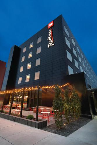 Radisson Red Minneapolis Downtown Photo