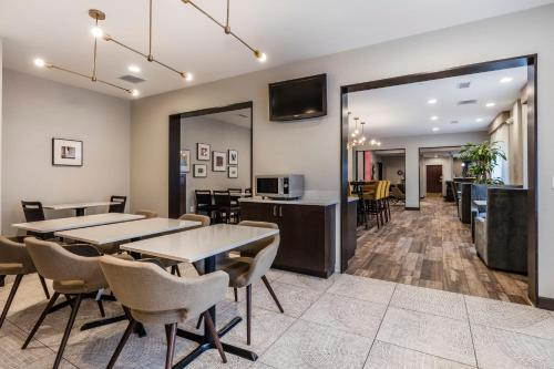 Best Western Plus Nashville Airport Hotel - BNA Photo