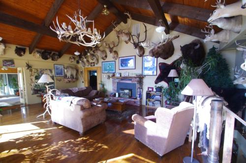 Whitebird Summit Lodge Photo