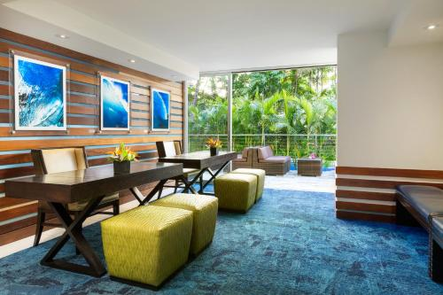 Courtyard by Marriott Waikiki Beach Photo