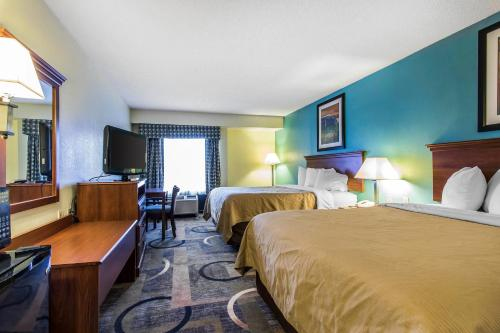 Quality Inn & Suites Memphis Photo