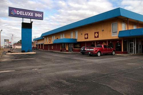More About Deluxe Inn Muskogee