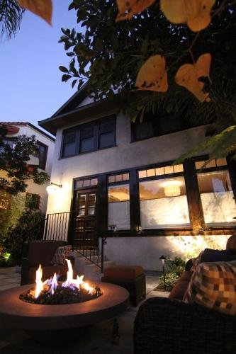 Dwell At The Beach - Los Angeles, CA 90291