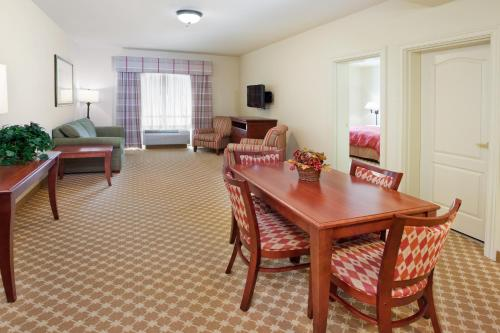 Country Inn & Suites By Carlson Tifton Photo