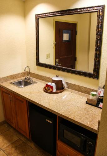 Hampton Inn & Suites Grenada Photo