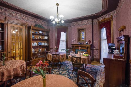 Historic Webster House Bed and Breakfast Inn