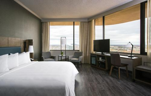 Nashville Airport Marriott Photo