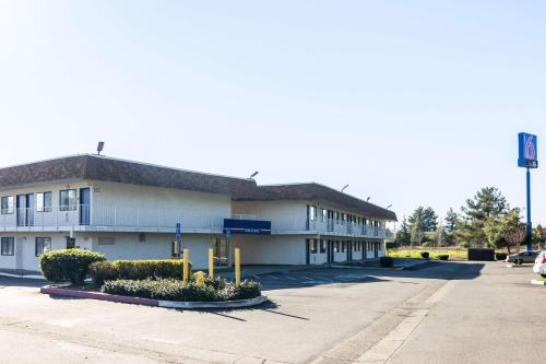 Motel 6 Oroville Photo