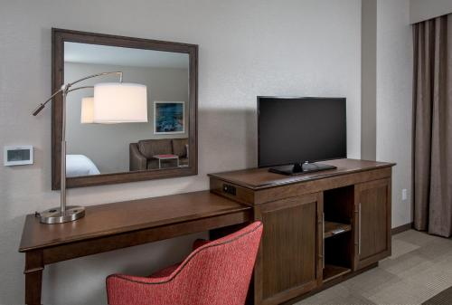 Hampton Inn & Suites Oahu/Kapolei, HI Photo