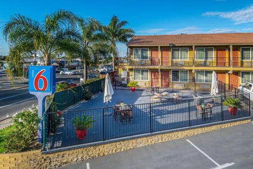 Motel 6 San Diego - Southbay Photo
