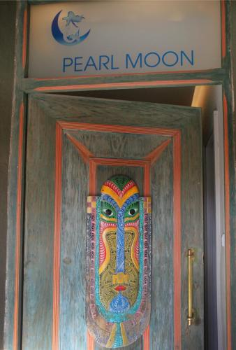 Pearl Moon Boutique Suites Photo