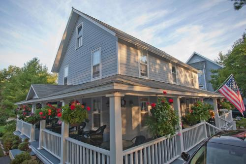 Sylvan Inn Bed & Breakfast - Glen Arbor, MI 49636