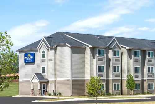 Microtel Inn & Suites by Wyndham Dickinson Photo