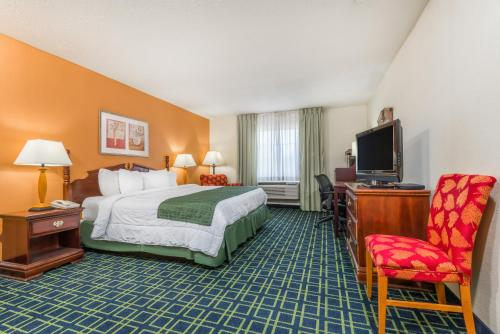 Baymont Inn & Suites Greensburg - Greensburg, IN 47240