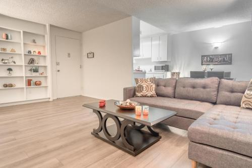 Barrington Apartment A723 - Los Angeles, CA 90025