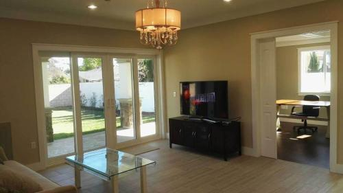 Newly Furnished House in Temple City CA - Temple City, CA 91780