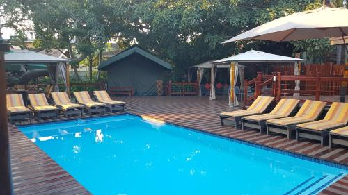 Monzi Safaris Tented Lodge Photo