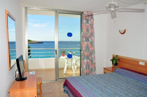 S'Arenal Apartments in Portinatx from €82