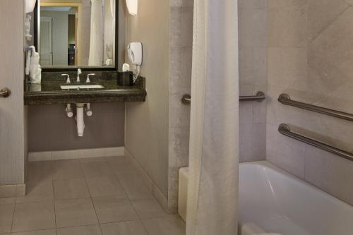 Holiday Inn Jacksonville E 295 Baymeadows Photo