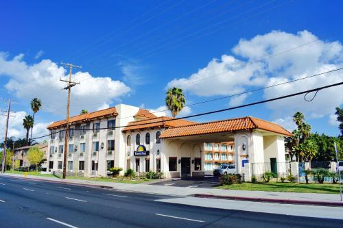Days Inn Anaheim Near the Park Photo