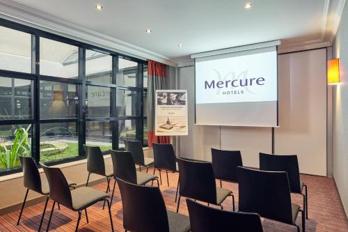 Mercure Tour Eiffel Grenelle photo 35