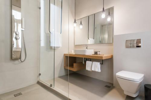 Monk suites by MLT at Ermou photo 15