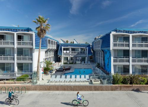 Blue Sea Beach Hotel Photo